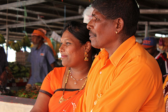 Market vendors at Tavua market in Fiji showed their support for ending violence against women and girls by decorating their stalls in orange and wearing orange. Photo: UN Women/Ellie van Baaren.