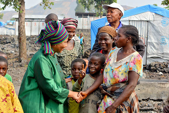 UN Women Executive Director Phumzile Mlambo-Ngcuka visited a camp for people displaced by conflict in the Democratic Republic of the Congo. Despite the terrors of war and sexual violence, women leaders are forging ahead to make new, better lives for themselves and other women in the camp. Photo: UN Women/Carlos Ngeleka.