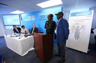 Madina Tall Coulibaly and Mamadou Coulibaly (Mali) announcing their pledge and commitment. Photo: UN Women/Ryan Brown