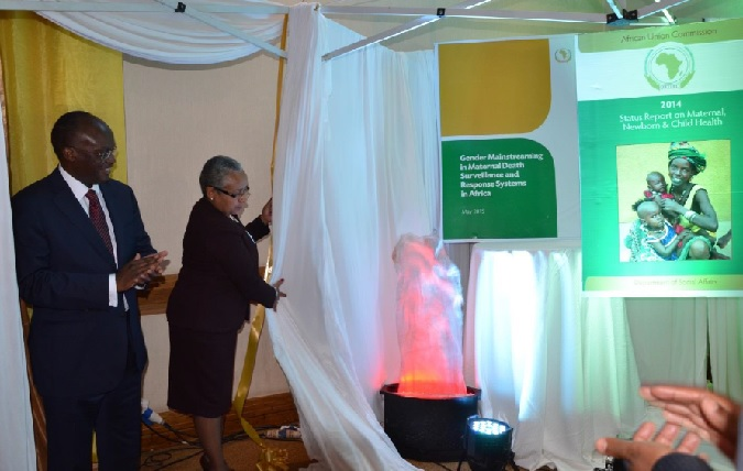 H. E Margaret Kenyatta and Mr. James Macharia officially launch the 2014 Status Report on Maternal, Newborn and Child Health and the Gender Mainstreaming Maternal Death Surveillance and Response Systems in Africa Report Photo credit: UN Women/Mary Mathu