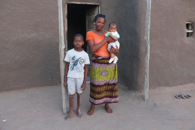 Guelsa Chivodze went back to school at age 30 after being married off at 17 years old. Photo: UN Women/Josina Nhantumbo
