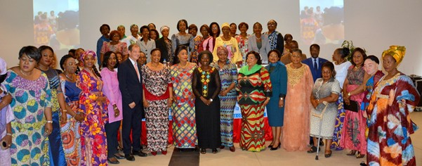 Group photo of women leaders with guests of honour. Photo - UN Women DRC