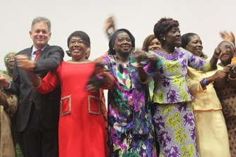 Figure 1 : From left to right: Germany Ambassador; gender adviser to the Head of State; UN Women Resident Representative; Minister of Women; 1st women General in Côte d'Ivoire