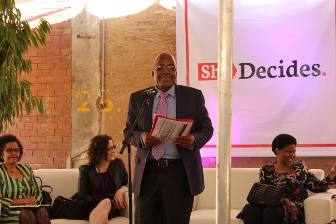 Foreground: Hon Dr Aaron Motsoaledi, Minister of Health, South Africa; Seated (L-R): Ms Nardos Bekele-Thomas, United Nations Resident Coordinator; Ms Laura Londen UNFPA Deputy Executive Director