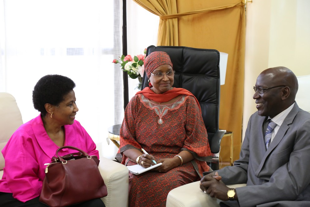 UN Women Executive Director, Phumzile Mlambo-Ngcuka with the representative of the Ministry of Women of the Family and Gender of senegal