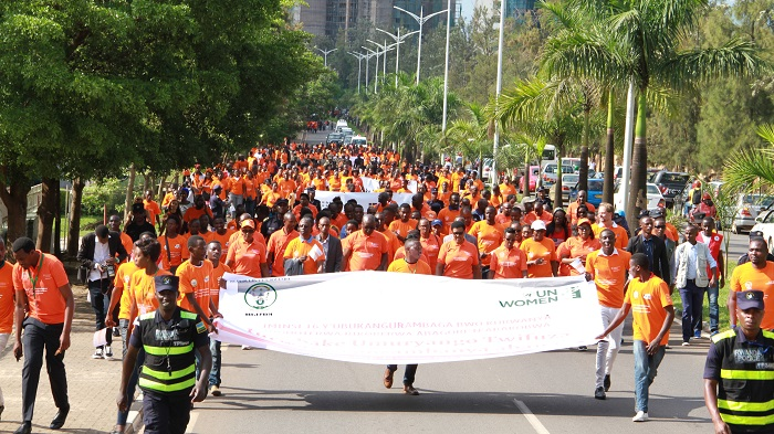 Over 1,000 people, consisting of Government Officials, Defense Forces, Development Partners, Youth and the general public joined UN Women Rwanda in a march to raise awareness and #SayNo! to Violence Against Women and Girls