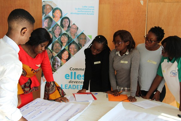 Brainstorming session between participants. Photo Credit: Joseph LINDJECK /Communication Intern/UNWOMEN