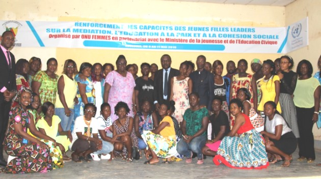 Participants and trainers attending the training posing for a family photograph.  Photo credit: Emeline Evina/HeForShe Volunteer/UN Women.