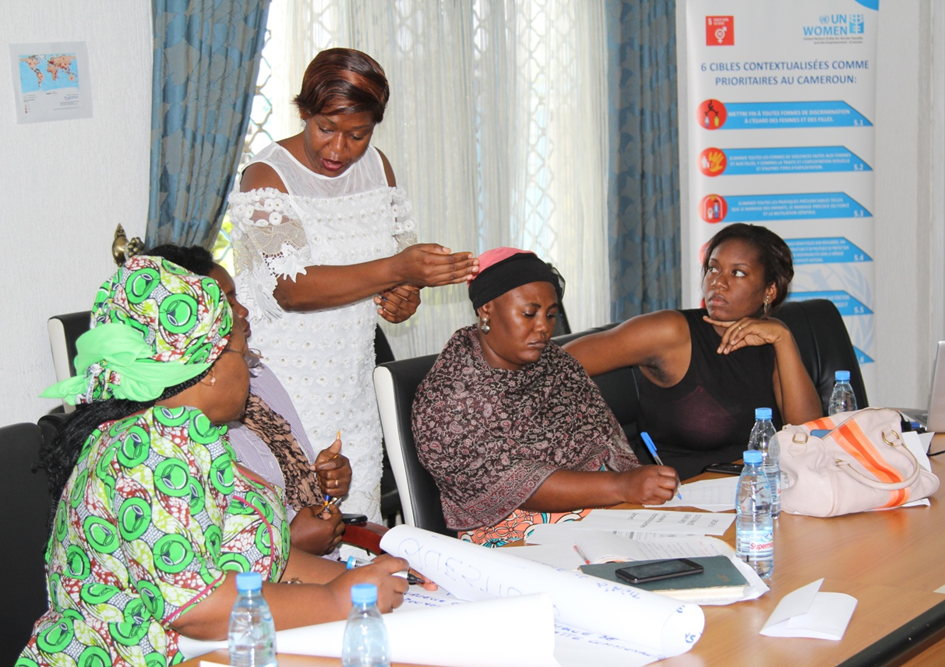 Nicoletta NGAMBI, Gender and humanitarian Expert (UN Women), making inputs during group work session.