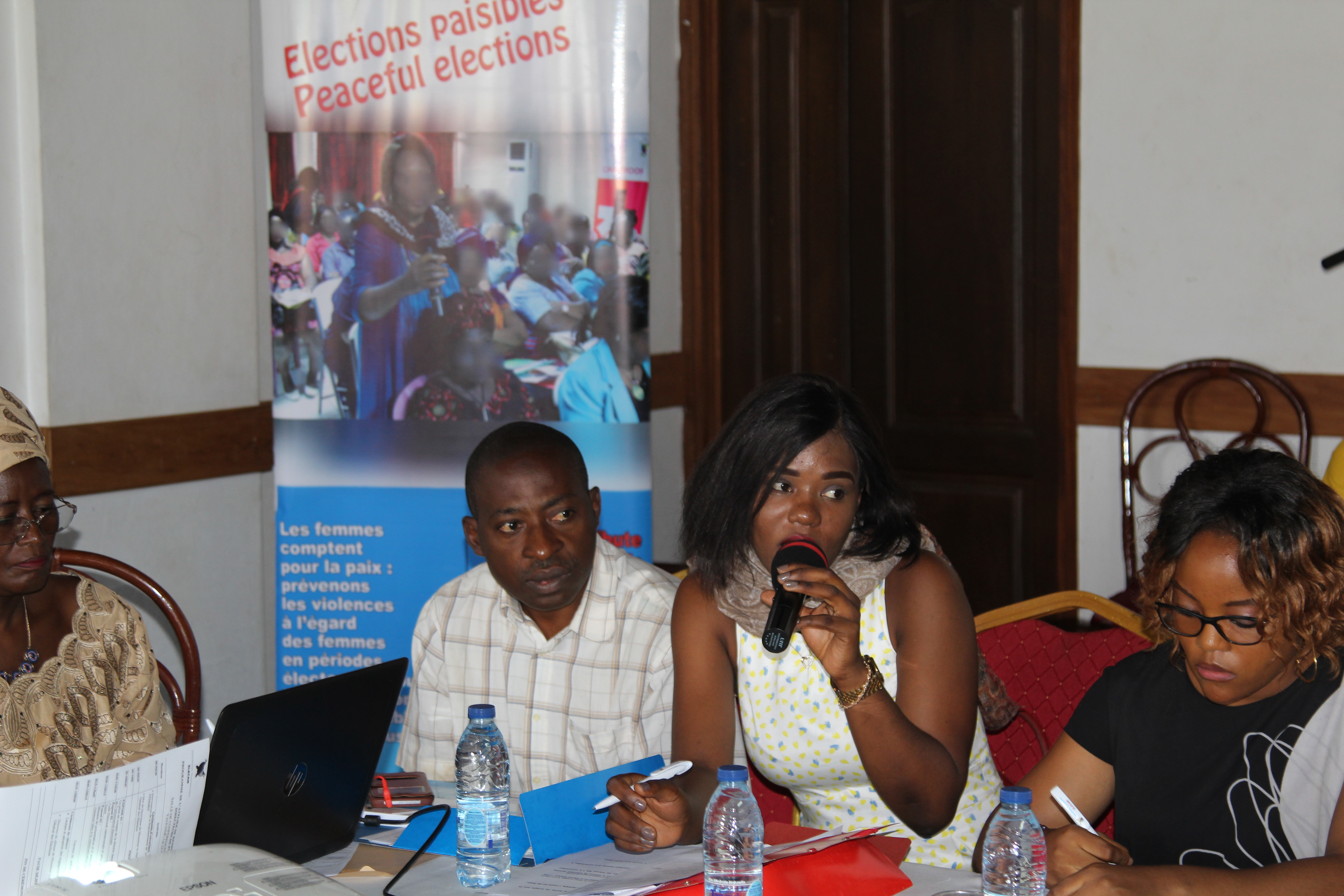 A cross section of media professionals at the workshop. Photo credit: Nlend Emanuel/UN Women