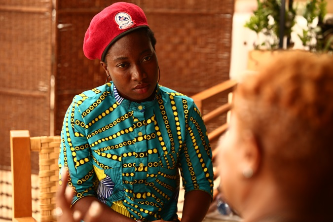 Vickjune Wutoh, Vice President of the Liberian National Students Union and youth activist interviews Tonieh Talery Wiles, a Commissioner at the Independent National Commission on Human Rights. Photo: UN Women, Liberia