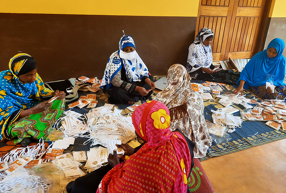 UN Women is working with women whose small businesses were affected by COVID-19 to support income generation and recovery of their enterprises. Photo by UN Women.