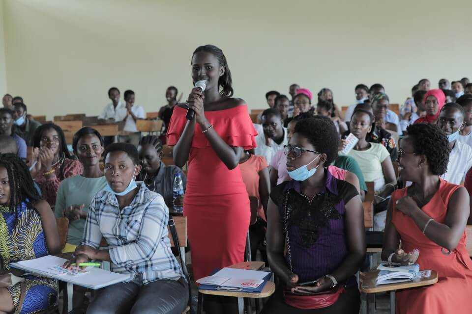 Young academics committing to be 'generation equality' at the Women's Month event organized by UN Women and the Université Lumière in Bujumbura, Burundi, on 26 March 2021.