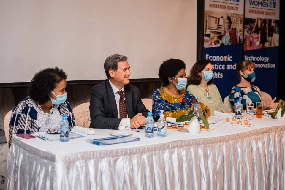 From far left, the UN Women Representative, Ms. Hodan Addou; the French Ambassador, H.E. Frederic Clavier; the UN Women Executive Director, Dr. Phumzile Mlambo-Ngcuka; the UN Women Deputy Representative, Ms. Julia Broussard; and the Canadian High Commissioner, H.E. Pamela O'Donnell, during a discussion session at the meeting with development partners in Tanzania. Photo by Tsitsi Matope, UN Women.