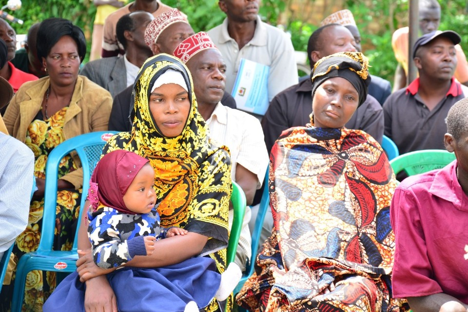 Community members waiting for legal aid services at the UN Women Legal Aid Mobile Clinic in Kyerwa district. Photo: UN Women/Hanna Mtango