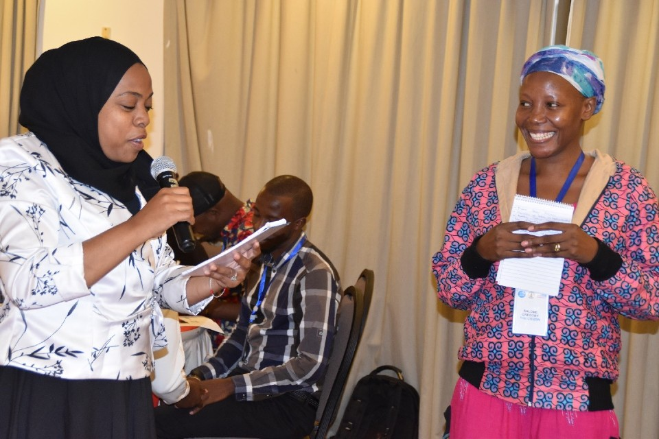 Ms. Nasra Nassor and Salome Gregory participating in a discussion during the 3-day training on Reporting on Women's Leadership and Political Participation. Photo: UN Women.