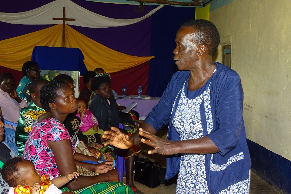 Rosemary Cheptai sensitising women in the Mount Elgon region, Kenya, on peace and security issues. She has been a member of her district's local peace committee for over 11 years. Photo: Rural Women Peace Link/Wallace Ruto