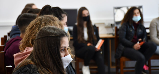 Youth from Albania learn about gender equality and choose a life free of violence and harmful social norms. Photo: Woman Forum Elbasan