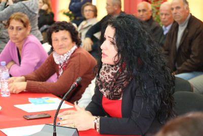Women bringing up issues related to social housing during the public consultations in the Municipality of Fier