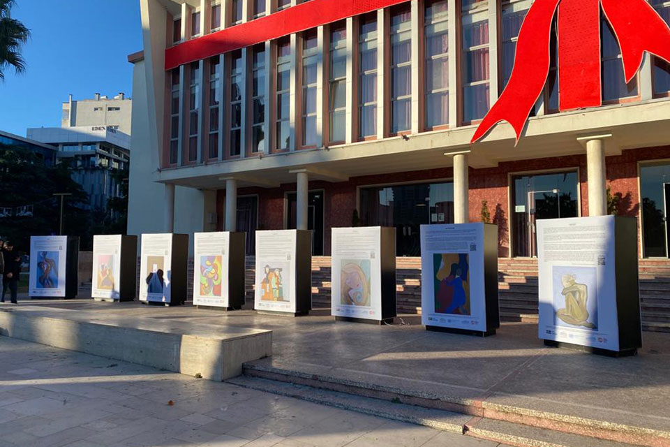 Painting and audio exhibition inspired by the real-life stories of women survivors of violence displayed in Durres city center. Photo: UN Women Albania