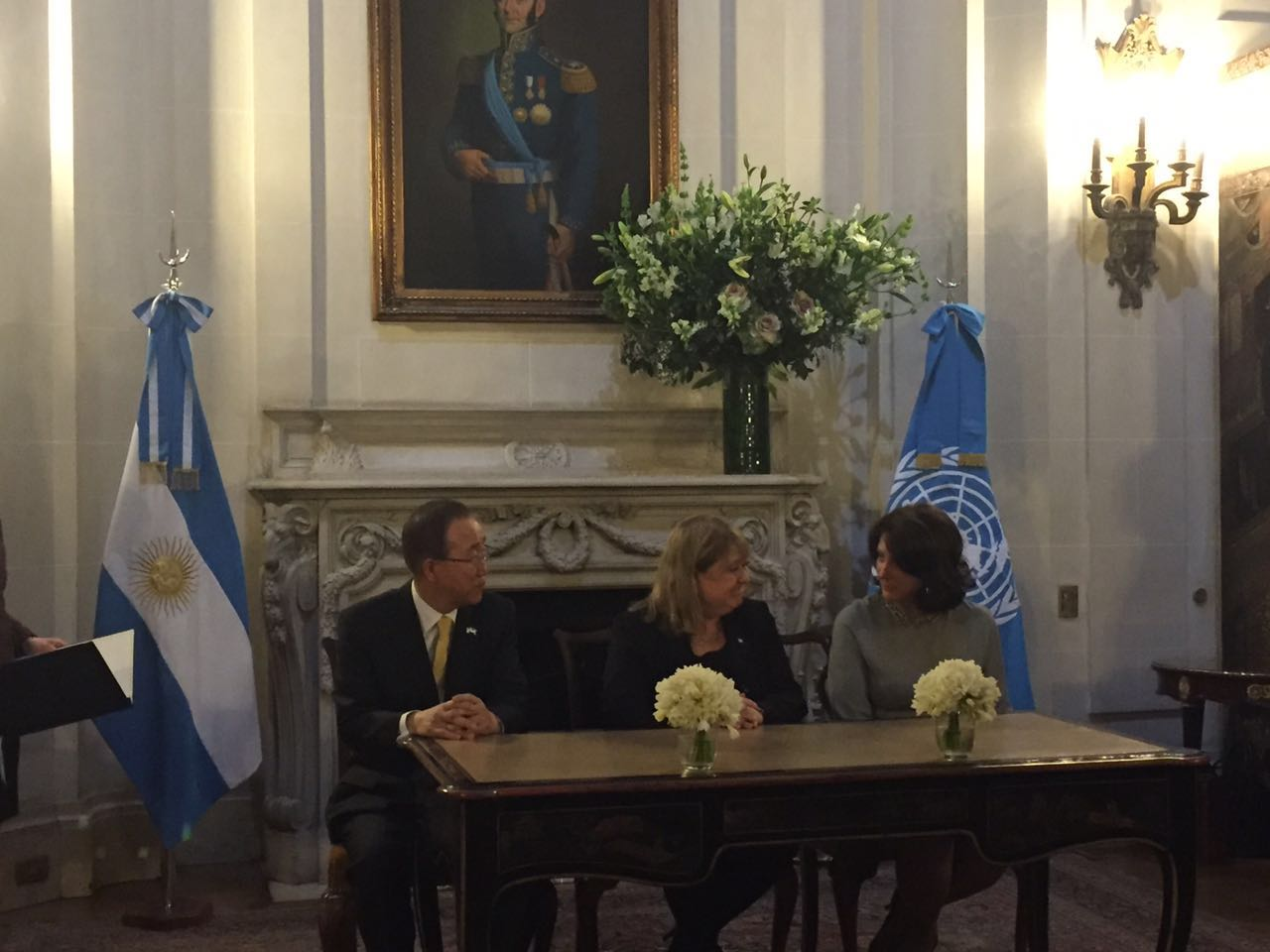 The subscription was made between the Chancellor of the Republic of Argentina, Susana Malcorra and UN Women Regional Director, Luiza Carvalho, with the presence of UN Secretary-General, Ban Ki-moon