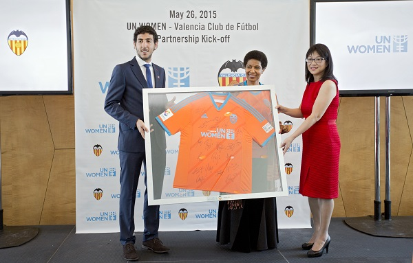 Central Midfielder of Valencia FC Daniel Parejo, Under-Secretary-General and UN Women Executive Director Phumzile Mlambo-Ngcuka and Chairwoman of Valencia CF, Lay Hoon Chan