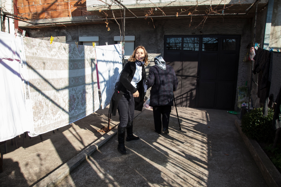Natasa Taseva from Shtip realized the need for helping the elderly who live alone. Photo: UN Women Europe and Central Asia/Rena Effendi