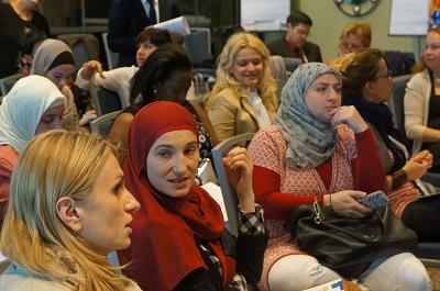 Many of the civil society participants in the Women on the Move workshop were meeting for the first time. Photo: UN Women/John Bleho
