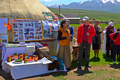 Representatives of the Executive Boards of UN agencies make a field visit to Baizak village in Naryn to see the results of the Rural Women Economic Empowerment project on the ground.  Photo: UNCT Kyrgyzstan