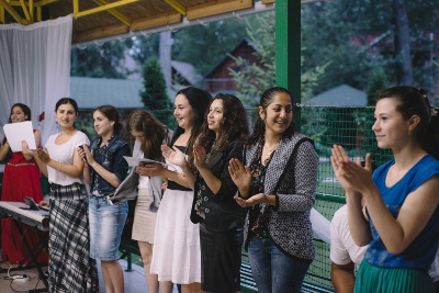 """The 27 young Roma women and men who attended the Zorjaras summer school learned about gender equality and their rights. Photo: UN Programme """"Women in politics""""/ Ramin Mazur"""