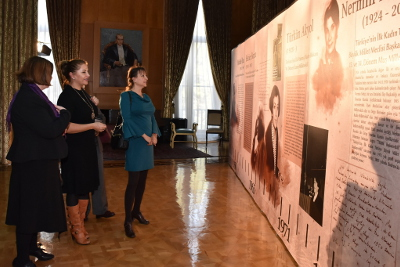 Invitees visiting Women's Portraits in Turkish Political Histroy exhibition Photo: UN Women