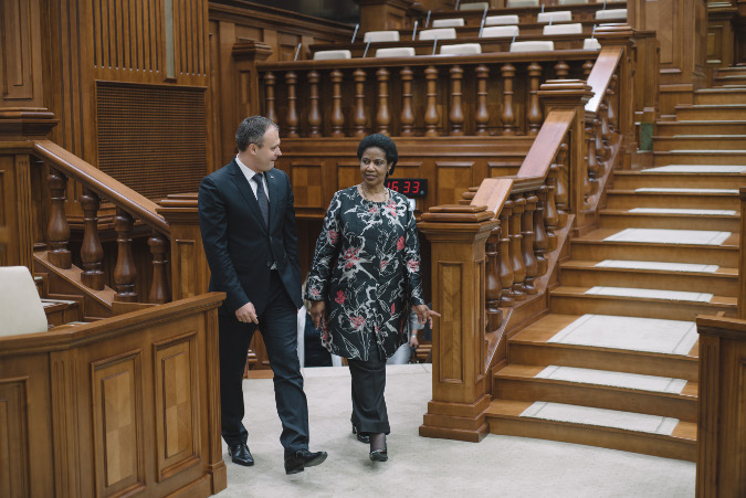 Adrian Candu,speakear of the Parliament of Moldova, shows The Hall of Parliament to Ms. Phumzile Mlambo-Ngcuka. Chisinau, Republic of Moldova.  Photo: UN Women Moldova/Ramin Mazur
