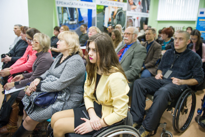 Women with disabilities face limited access to information, as well as architectural and infrastructural barriers that restrict their access to public services in the city. Photo: UN Women/Volodymyr Shuvayev