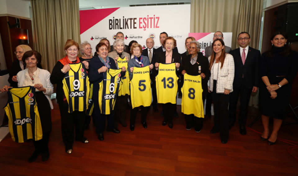 Fenerbahçe Sports Club which joined forces with the HeForShe movement to advance gender equality and women's empowerment in sport, hosted a meaningful event on March 8 International Women's Day for women athletes who pioneered the establishment of women's volleyball and basketball teams in 1954, and won consecutive championships between 1954 and 1961. Photo: Fenerbahçe Sports Club