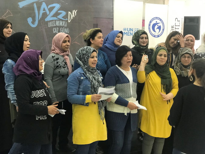 Refugee and Turkish women in Gaziantep joined to a Jazz workshop