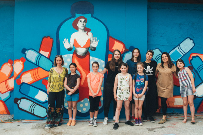 A group of girls headed by famous Serbian street artist TKV have painted a mural on gender equality and circular economy. UN Women/Marija Piroski