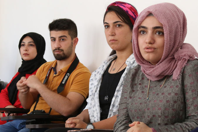 1,000 Syrian refugee and Turkish women will gain improved protection and livelihood opportunities through a new initiative.  Photo: UN Women/Megum IIizuka