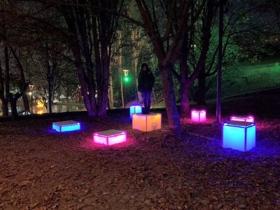 """""""Light the Dark"""" exhibition is the first open-air lighting installation exhibition to be displayed in a public space in Turkey. Photo: UN Women Turkey"""