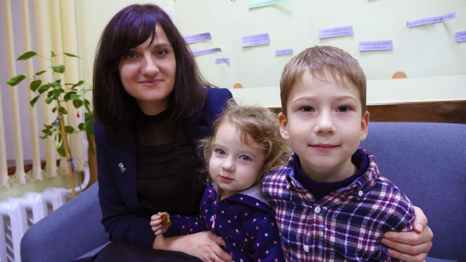 Alina Andronache with two of her children