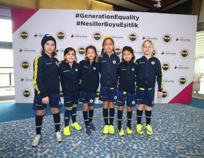 Girl Football Students from Fenerbahçe Sports Schools. Photo: Fenerbahçe Sports Club