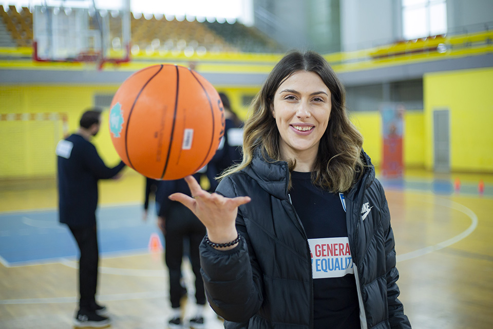 """Her World, Her Rules- Empowering Girls in Sports"" gathered girls in Gjakova to play basketball, but also talk about the importance of empowering women and girls play sports."