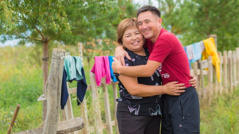 Maksat Kurmanaliev and Eliza Koilubaeva have been married for ten years and have three children together. Photo: UN Women Kyrgyzstan/Chingiz Namazaliev