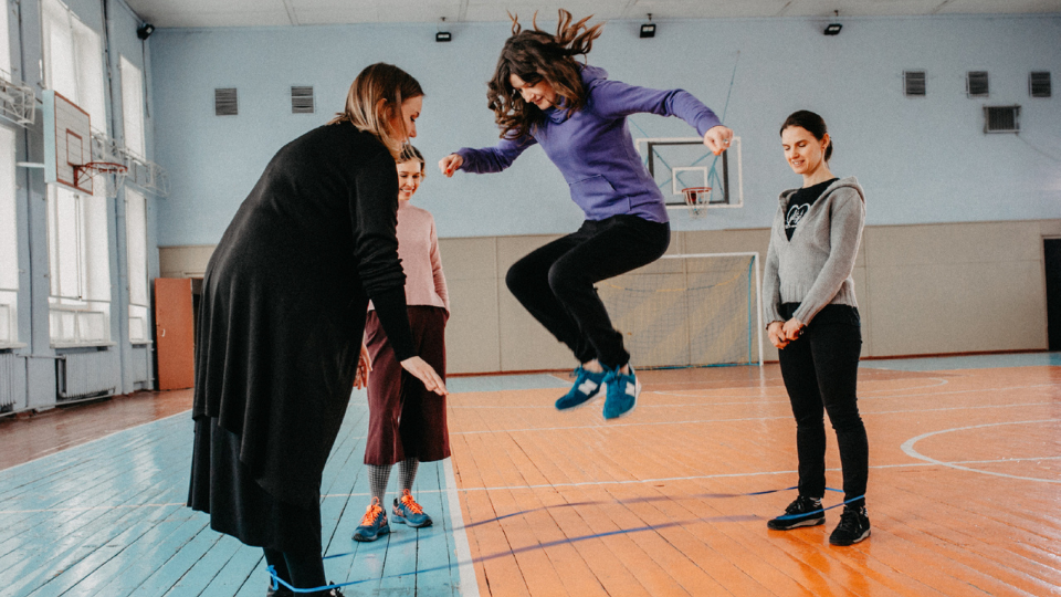 The director Nadia Parfan combines the symbol of children's game and reveal of professional paths and life stories of the Women in Arts 2021 award winners. Photo: UN Women Ukraine/Hanna Hrabarska