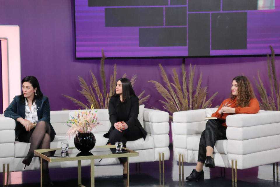 UN Women Head of Office, Vlora Tuzi Nushi; Vesa Bala, Project Coordinator at AJK, and Donjeta Morina, Gender Equality Specialist pictured during their presentation of the project's activities and the importance of GRB in a TV studio. Photo: Association of Journalists of Kosovo