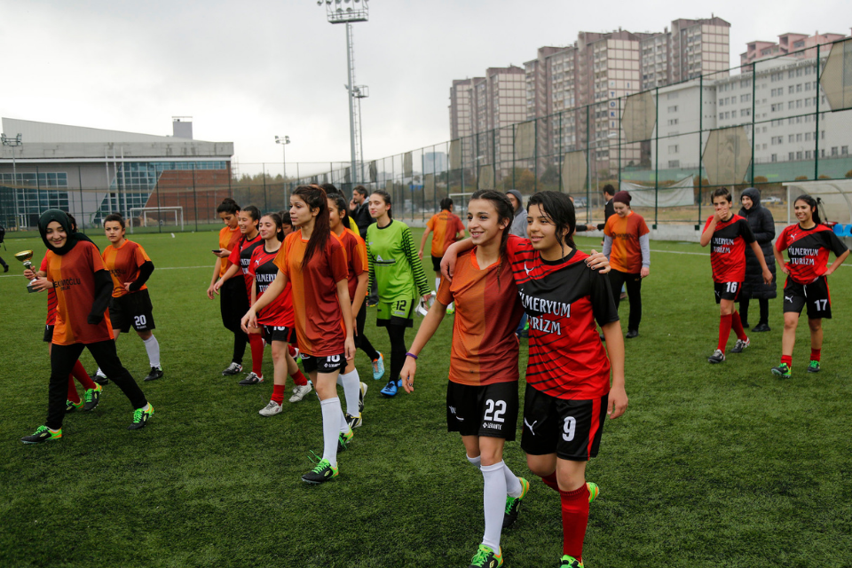 Girls' football teams in Gaziantep, Turkey played for solidarity against gender-based violence. Photo: UN Women