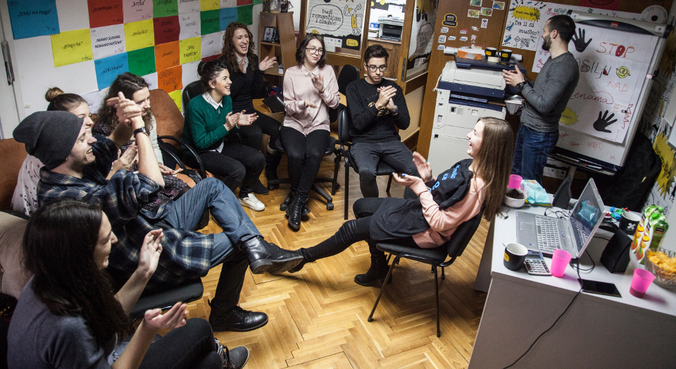 Young people in Bosnia and Herzegovina exchange ideas on outreach focused on breaking gender stereotypes. Photo: UN Women Europe and Central Asia/Rena Effendi
