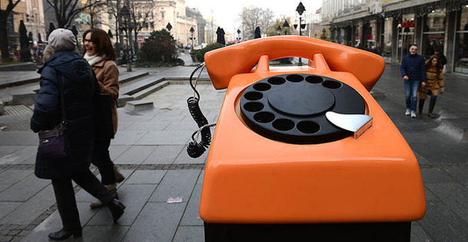 SOS phone ringing at the Belgrade main square. Photo: Mondo/Goran Sivacki