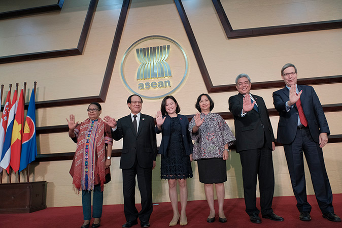 """ASEAN Launches """"ASEAN HeForShe"""" Campaign to Promote Gender Equality"""