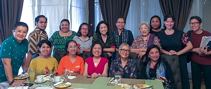 With civil society leaders in Manila. Leaders voiced the priorities of rural women, LGBTIQ communities, and women living with HIV. Photo: UN Women/Minjeong Ham