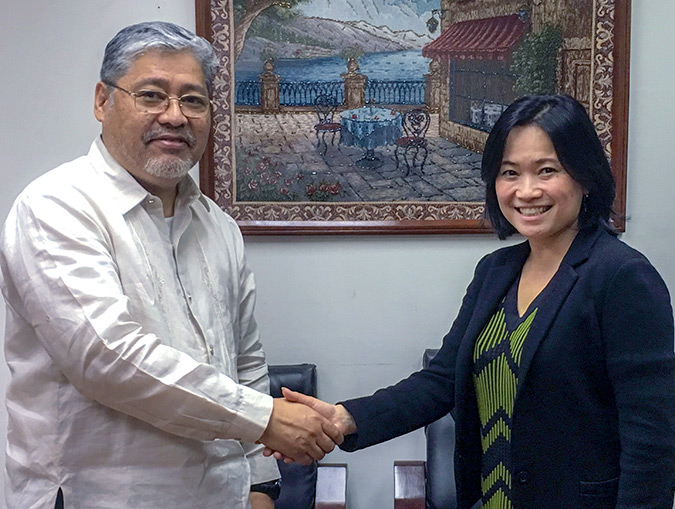 UN Women's Regional Director with H.E Enrique A. Manalo, Undersecretary, Ministry of Foreign Affairs. The Ministry of Foreign Affairs was instrumental in ASEAN's 2017 adoption of a Joint Statement on Women, Peace and Security. Photo: UN Women/Carla Silbert